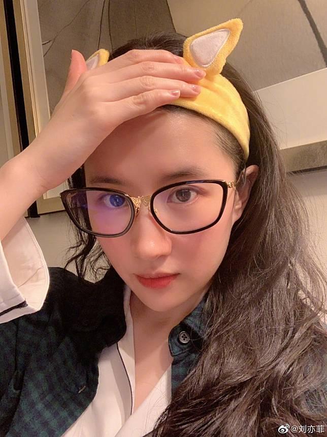 網民話劉亦菲一定係單身喎!
