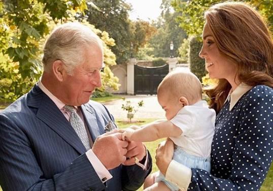 Ucapan Ulang Tahun untuk Pangeran Charles dari Kedua Cucunya