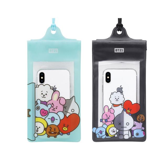 規格: 品名: GARMMA 宇宙明星BT21 防水袋 適用型號: 6.2吋以下各品牌手機 重量: 約30公克 內容包裝物: 防水袋*1 材質: 特殊柔軟防水材質 Designed in Taiwan