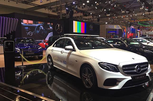 Mercedes-Benz E-Class Hybrid Resmi Dijual di Indonesia