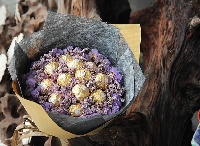 9 Buket Makanan Yang Dijamin Lebih Romantis Dari Buket Bunga Qraved Line Today