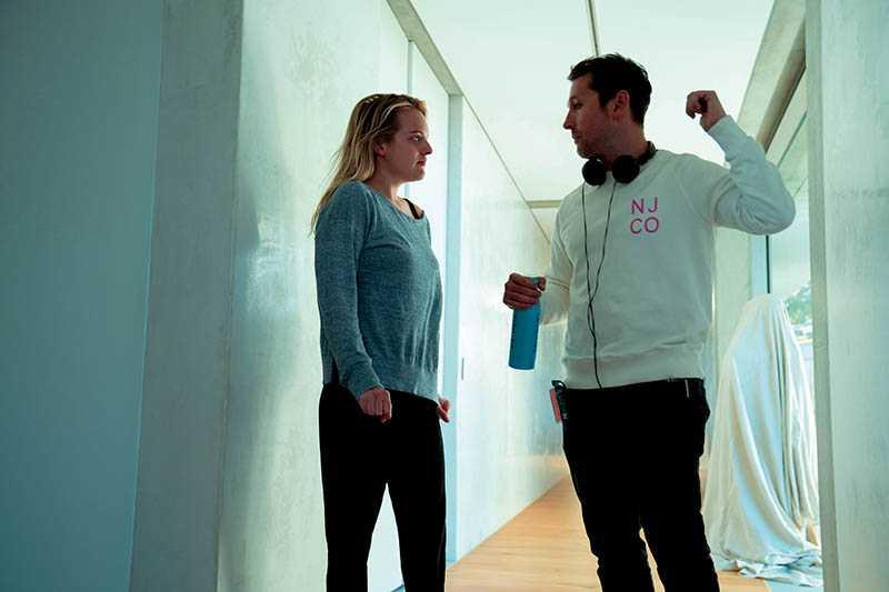 《隱形人》沒有太多原作的包袱,反而讓導演雷沃納爾拍出充滿新意的恐怖片。左:伊莉莎白摩斯、右:雷沃納爾(圖/UIP提供)