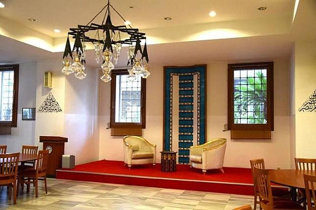 Ruangan pusat kebudayaan Turki