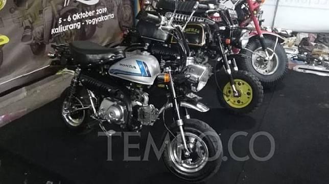 Motor mini Honda Monkey langka saat dipamerkan di Djogjantique Day 2019 di Yogyakarta, 23 Agustus 2019. TEMPO/Pribadi Wicaksono