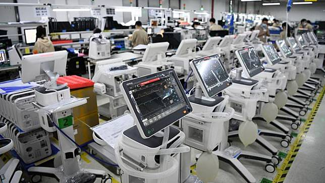 Intip Produksi Ventilator di China