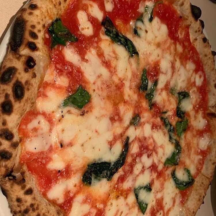 新宿区周辺で多くのユーザーに人気が高いピザエノテカピッツェリア 神楽坂スタジオーネのピッツァマルゲリータD.O.Cの写真