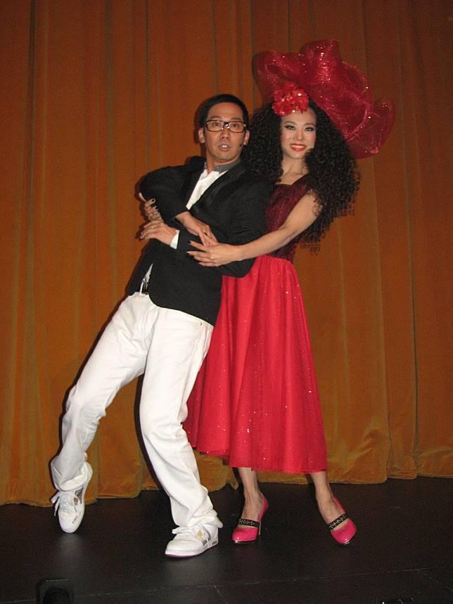 09年,焦媛跟張達明合演舞台劇《容易受傷的女人》以紀念忘父。