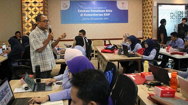 Edukasi Penulisan Rilis di Kementerian Kelautan dan Perikanan
