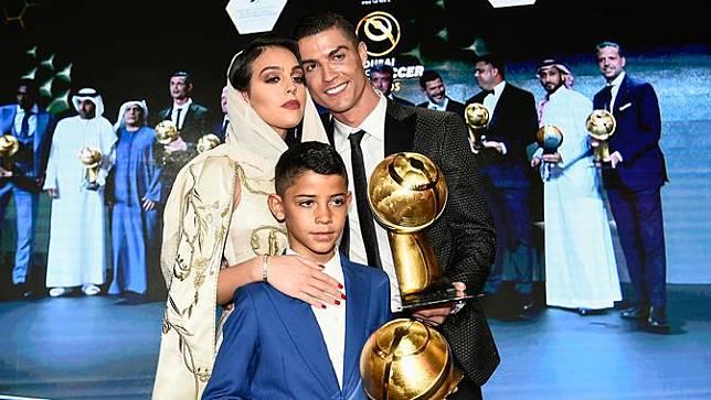 Cristiano Ronaldo Raih Globe Soccer Awards