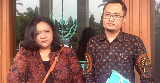 Anak Nia Daniati Digugat Cerai karena Foya-Foya