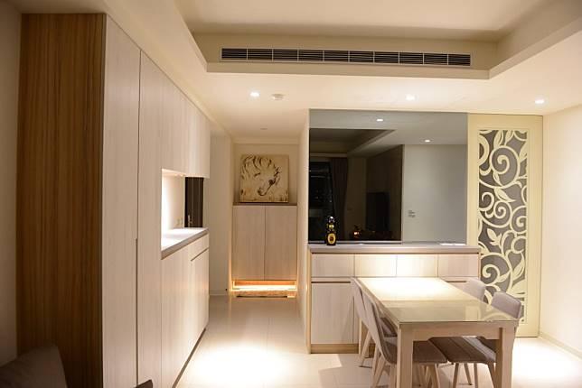 木片雕花搭配系統傢俱