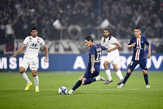 Gol Telat Neymar Menangkan PSG atas Lyon