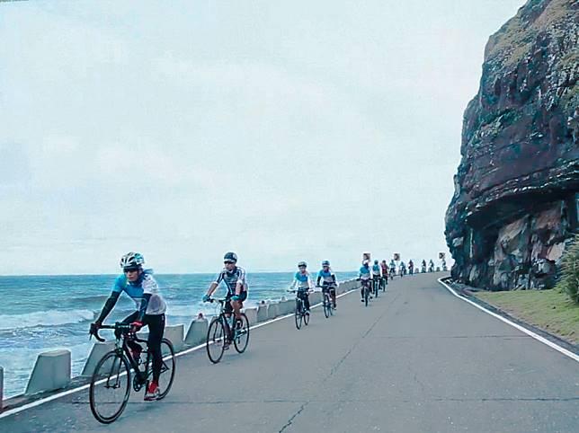 台灣最南端的秘徑,低度開發、保持自然的原始樣貌,騎乘在山海交會的道路,有種來到世界盡頭的壯闊氣勢!