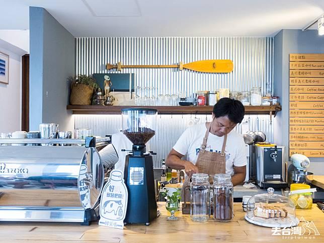 「迷路小章魚」小旅館主人阿定,最新的搞作是海邊咖啡店「迷路 海龜咖啡」。