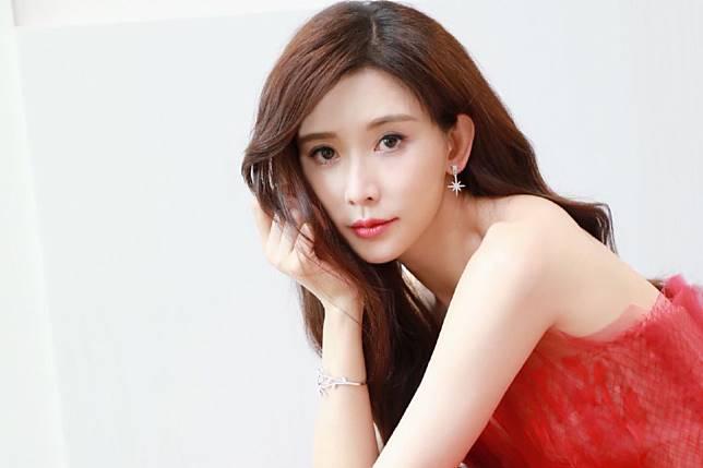 ▲林志玲婚後魅力不減。(圖/微博)
