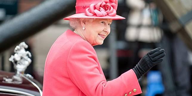 Ini Aturan Mandi Ratu Inggris yang Harus Dipatuhi Staf Kerajaan