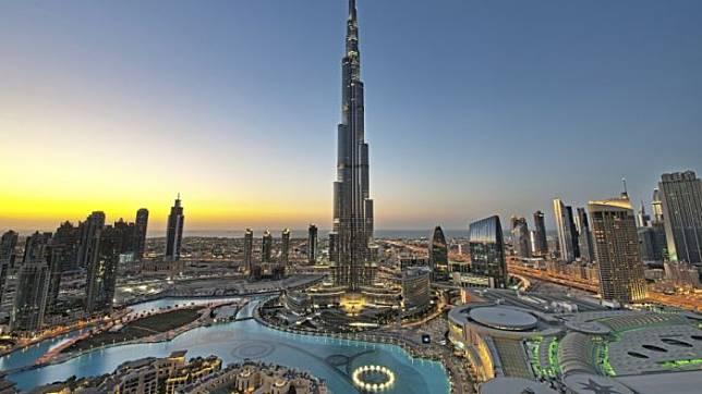 Burj Khalifa Gedung Ini Punya Tiga Waktu Berbuka Puasa Yang Berbeda