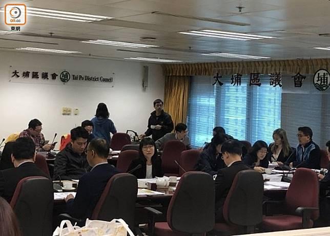 大埔區議會應集中處理大埔區內事務為先。