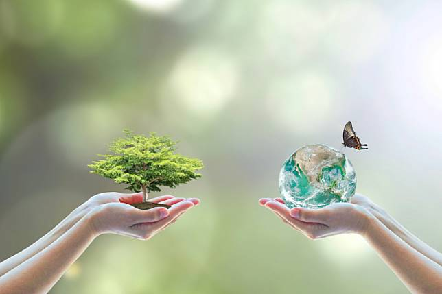 """More efforts, in quantity and quality, need to be made to encourage the """"refuse, reduce, reuse, recycle"""" principles."""