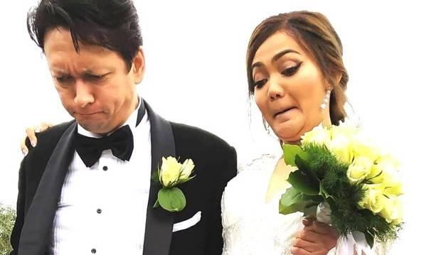 Rina Nose Resmi Dinikahi Pria Bule, Diawali Ijab Kabul Diakhiri Ucap Janji Pernikahan