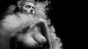 美女與飛揚的塵土 攝影師絕美系列作品!