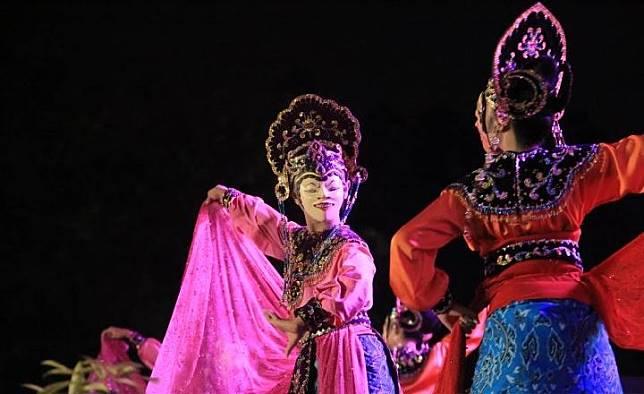 The colossal dance of Nyimas Melati in the Nusantara Cultural Festival in Tangerang, Banten. ANTARA