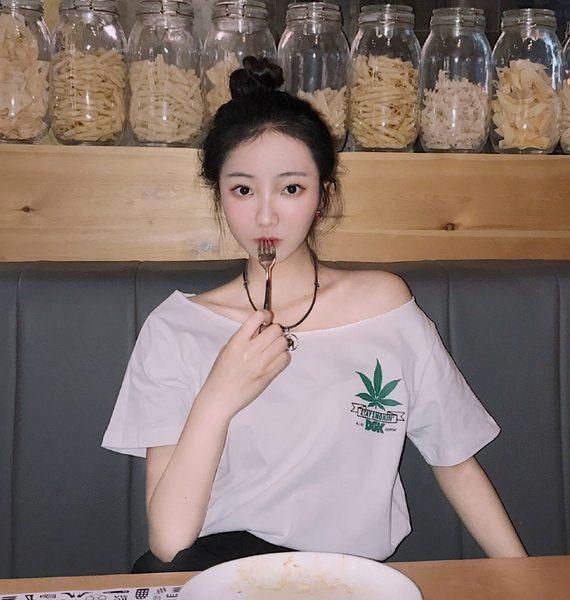 【GZ B1】韓版斜肩椰樹印花短袖上衣 甜美百搭一字領露肩上衣 短袖T恤
