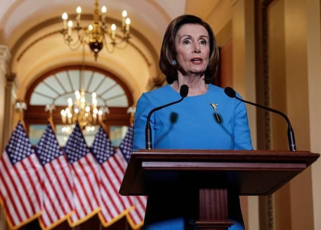 佩洛西呼籲國會與特朗普聯手,採取措施反制中國。