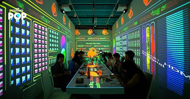 เปลี่ยนอาหารคุ้นตาในร้านสะดวกซื้อเป็นเมนู Chef's Table ในนิทรรศการศิลปะดิจิทัลกินได้ 'The Inconvenience Store: สะดวก จะ ตาย'