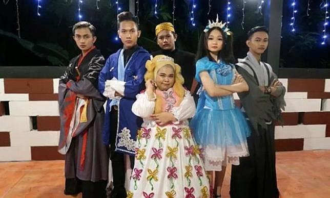 Rahmawati Kekeyi di video klip lagu Keke Bukan Boneka. (Youtube - @rahmawati kekeyi putri cantikka)