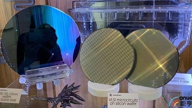 矽晶圓廠11月營收修正 環球晶、合晶寫逾21個月低點