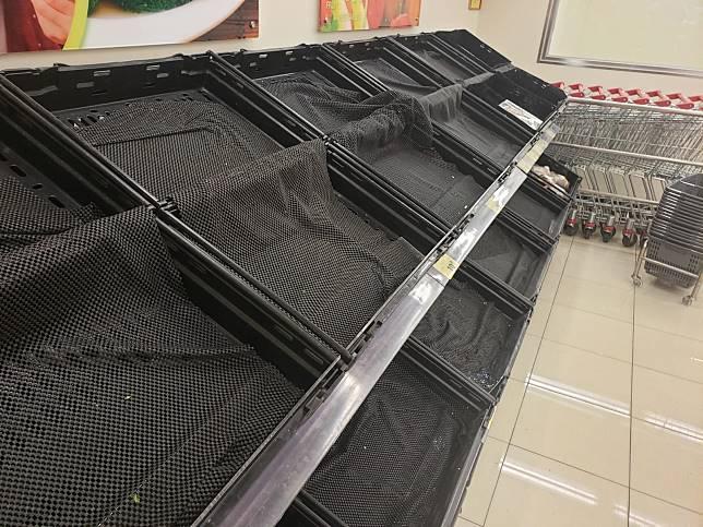 超市部分物資缺貨。