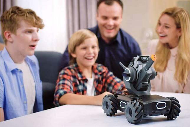 無人機霸主「大疆」推首款教育機器人  外型酷似戰車售價500美金