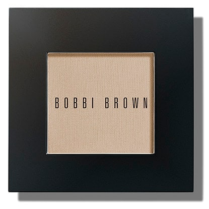 This silky, matte powder shadow goes on smoothly & blends easily. The densely pigmented formula can