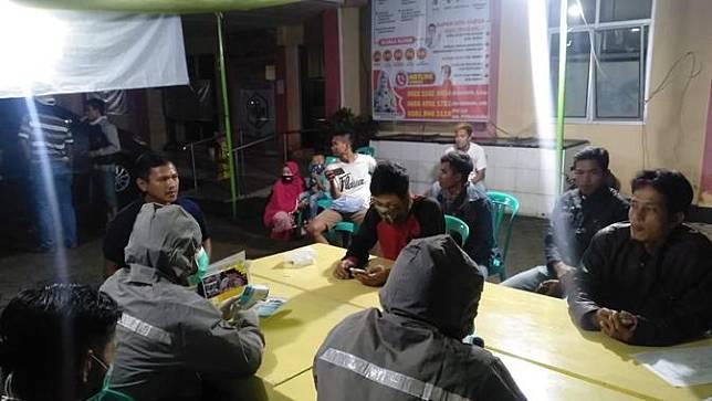 emerintah Kabupaten membuat posko pemantauan Gugus Tugas Siaga Covid-19 di lima perbatasan. (Foto: Liputan6.com/Galoeh Widura)