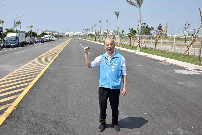 ▲韓國瑜認為,只要做好交通、治安、教育或環境等工作,自然會吸引商務進駐。(圖/高市府提供)