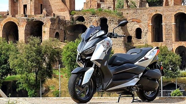 Yamaha XMax 300 Roma Edition, Hormati Tenaga Medis Lawan COVID-19