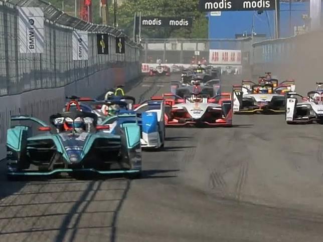 Tahun depan, Jakarta akan menjadi tuan rumah dari kegilaan balapan Formula E.