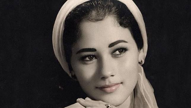 Sedari Muda Telah Memesona, 6 Potret Lawas Suzanna yang Pancarkan Kecantikannya