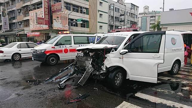救護車載孕婦待產卻撞殘了,5人6命送醫急救