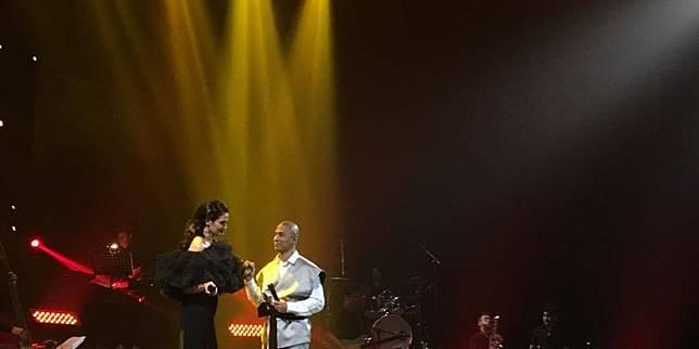 Duet Romantis Marcell Siahaan Ngambek karena Kecupan Istri