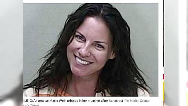韋爾克因酒駕撞死人,竟燦笑地拍攝囚照。圖/翻攝自「dailystar」