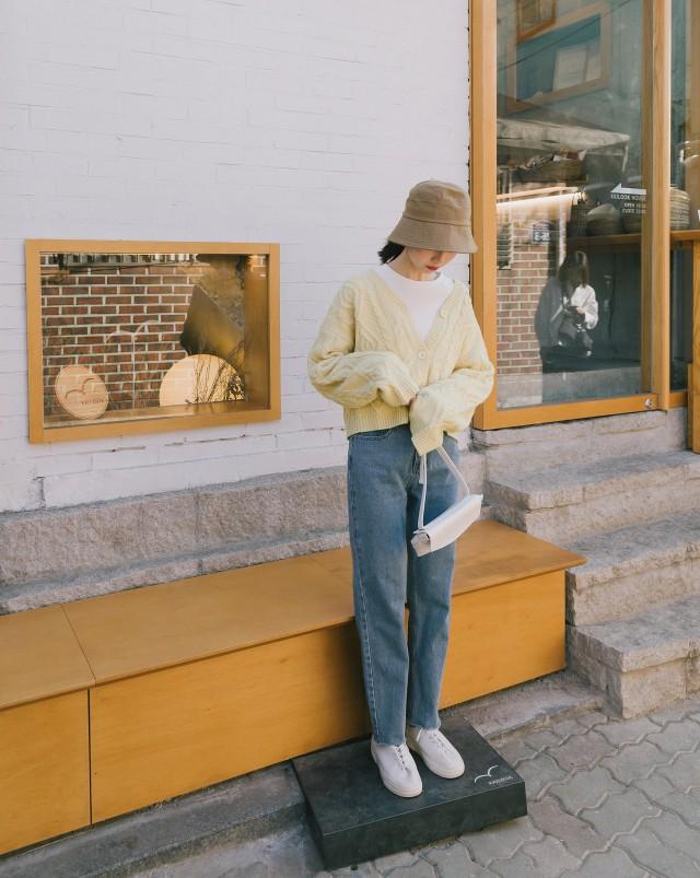 麻花粗真保暖紗線/連帽休閒款式/微短版版型