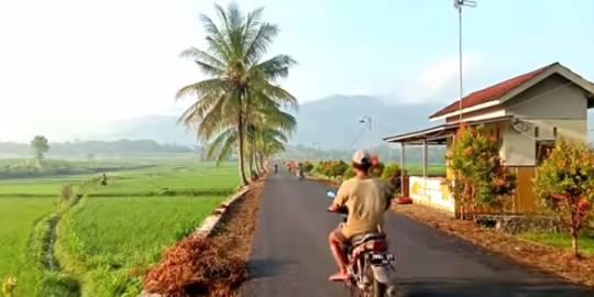 Pemandangan Alam Desa Di Banjarnegara Ini Indah Banget Potretnya Bak Lukisan Hidup Merdeka Com Line Today