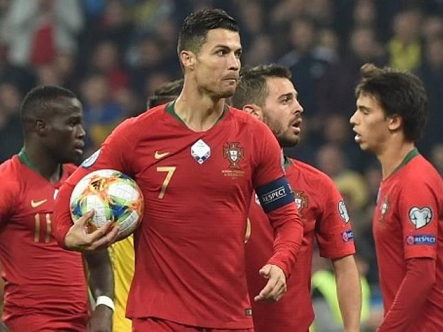 朗拿度射入職業生涯700球,惟未能助葡葡牙取勝。(法新社)