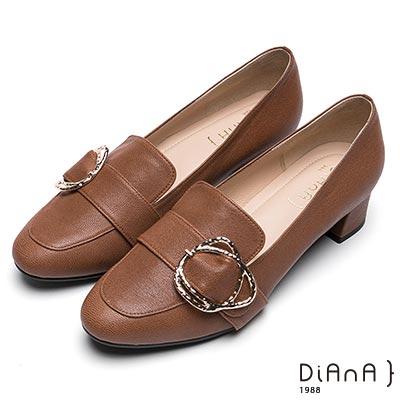 經典復古鞋型展現知性美感不規則皮帶金屬釦獨特亮眼貼心柔軟設計,滿足您的需求台灣師傅手工為您暖心打造