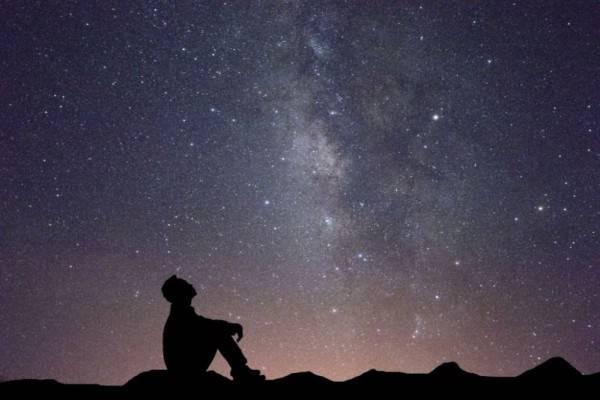 Kenapa Bintang Berkelap Kelip Di Malam Hari Ini Penjelasannya