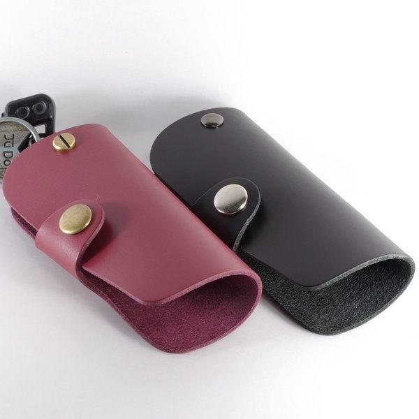 素面頭層黃牛皮皮革鑰匙包/鑰匙圈n尺寸:長10.5公分*寬5公分*高2.5公分