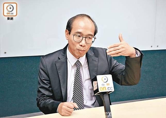 陳偉強指,陳茂波及鄭若驊此時上京,情況不尋常。