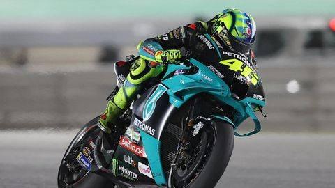 Valentino Rossi yakin lebih cepat di MotoGP Prancis. (Foto: AFP/KARIM JAAFAR)